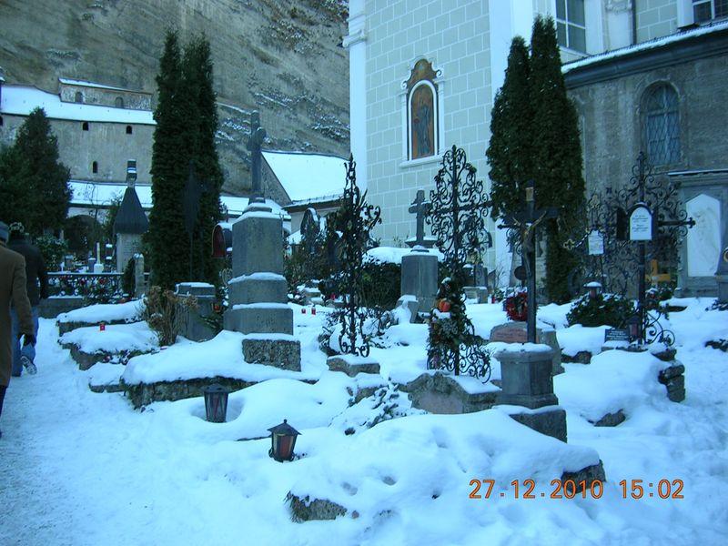 Salzburg-Cemetery-01