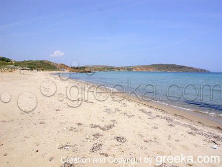 12-makris-gialos-beach-b
