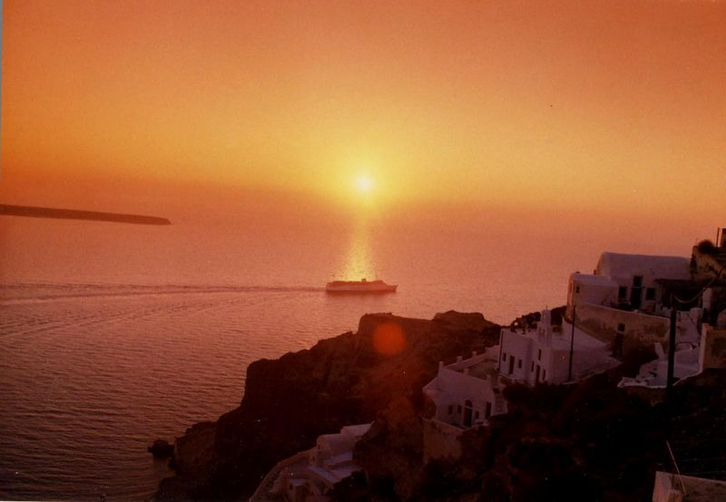 Santorini - sunset - aug2001