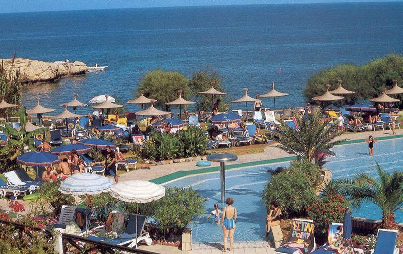 Konnos_Beach_Protaras_July2005